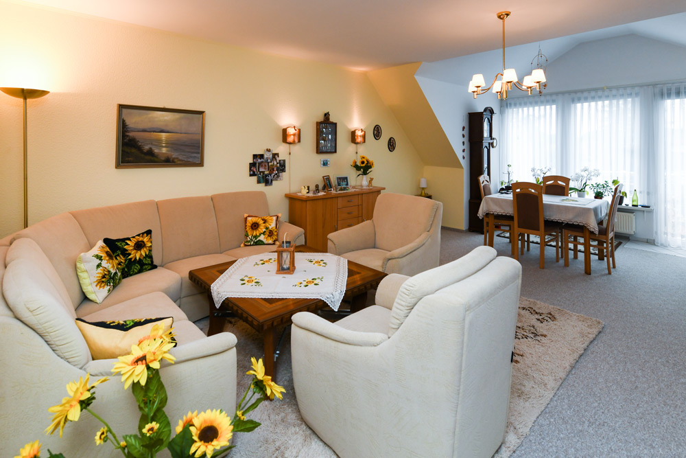 Wohnzimmer der Seniorenresidenz Bramfeld in Hamburg